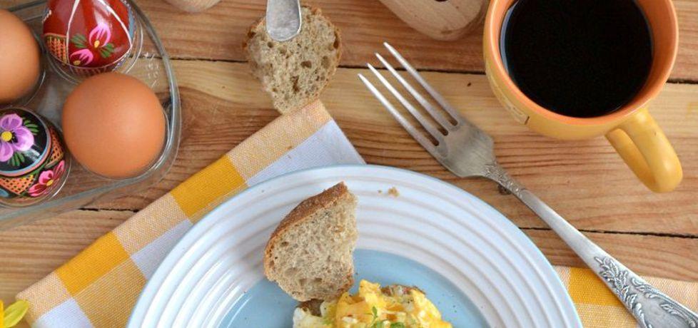 Jajecznica z białą kiełbasą (autor: mufinka79)