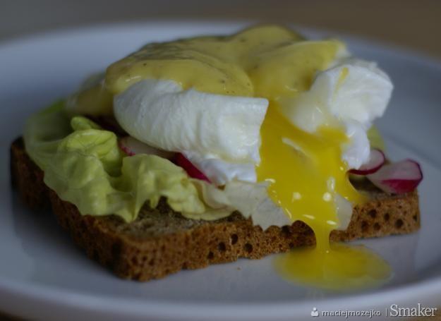 Jajko po benedyktyńsku