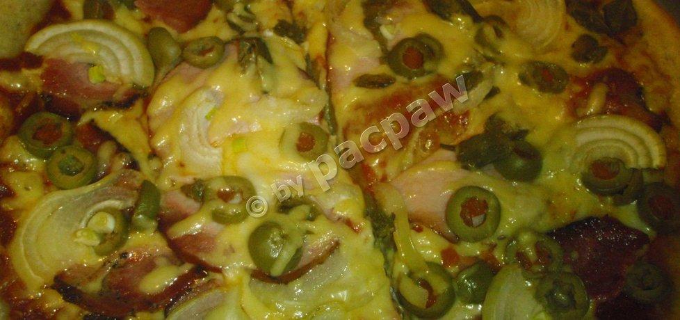 Pizza na zakwasie oliwkowo