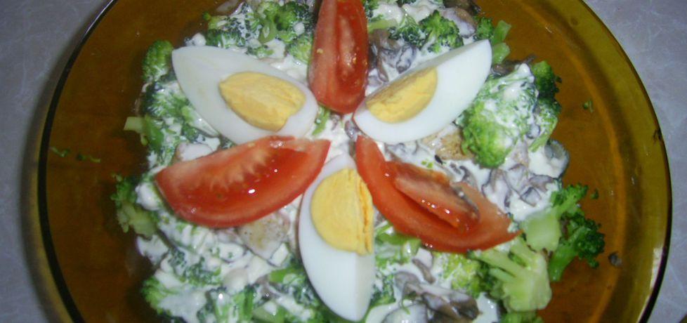 Sałatka brokułowa (autor: karolina92)