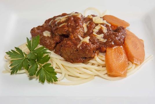 Spaghetti z wołowiną duszoną