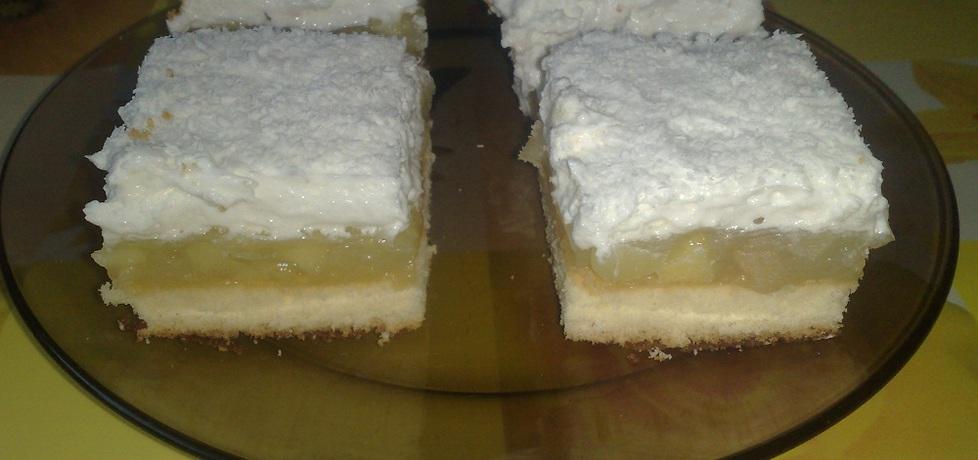 Jabłecznik z bitą śmietaną (autor: kasiaaa)