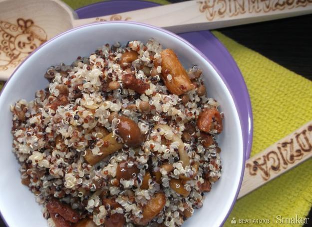 Quinoa (komosa ryżowa) z kabanosem i marynowanymi grzybami ...
