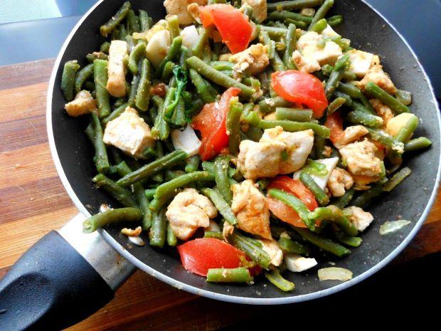 Przepis  kurczak w warzywach z patelni przepis