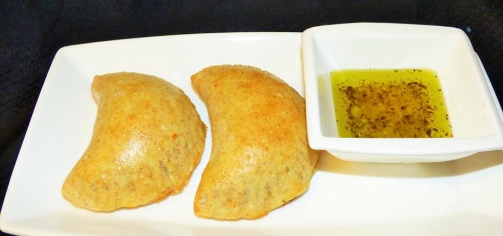 Pierogi drożdżowe zapiekane ze szpinakiem, serem feta i ...