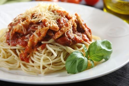 Spaghetti bolognese z kurczakiem