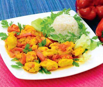 Kolorowy kurczak z ryżem