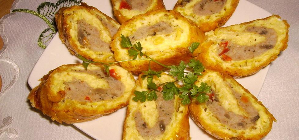 Rolada serowa z mięsem,pieczarkami i papryką. (autor: sylwunia ...