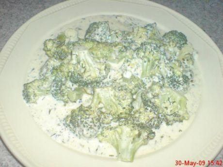 Przepis  brokuły w sosie smietanowo