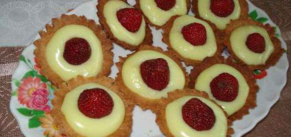 Babeczki z owocami lub galaretką (autor: ewaa)