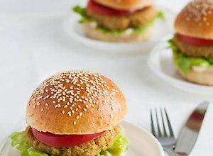 Zdrowe hamburgery z komosą ryżową  przepis blogera