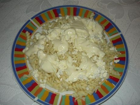 Przepis  makaron z serem i bitą śmietaną przepis