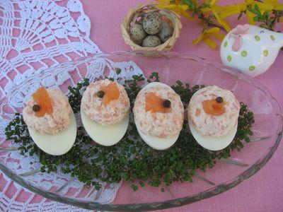 Jajka z farszem z łososia