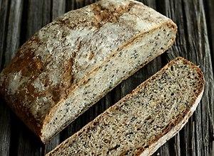 Chleb 3 ziarna na żytnim zakwasie  przepis blogera