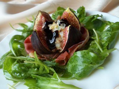 Figi zapiekane z szynką i serem pleśniowym