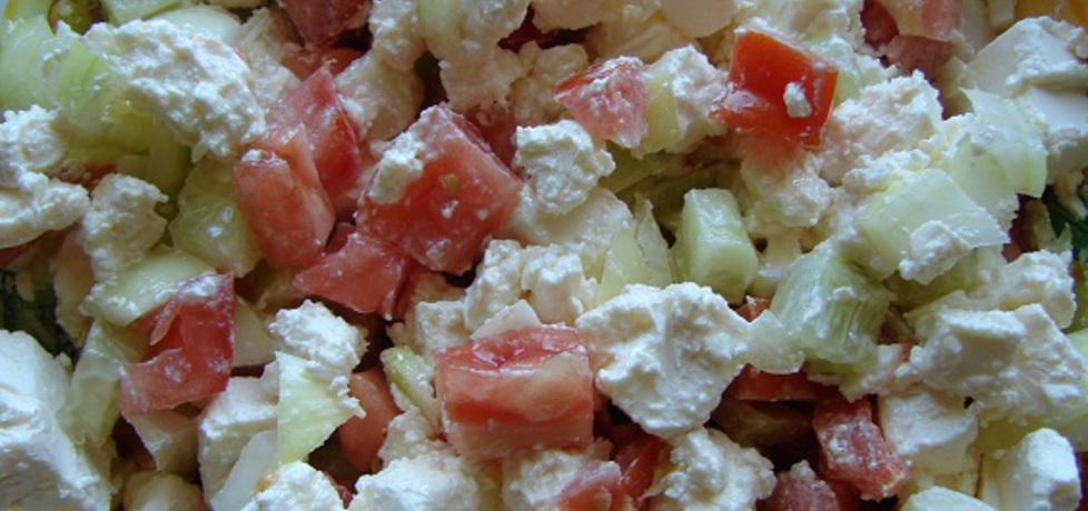 Szybka sałatka do kiełbaski z grilla (autor: seba)