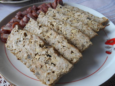 Pieczeń z mięsa mielonego z pieczarkami