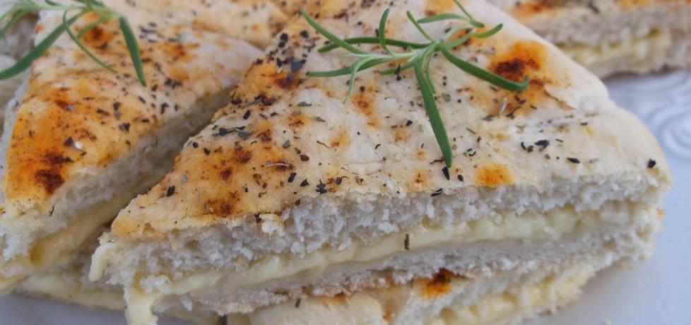 Włoski chlebek z ziołami i serem żółtym. (autor: babeczka35 ...