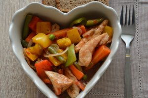 Leczo z indykiem i warzywami  prosty przepis i składniki