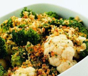Brokuły i kalafior z ziołową posypką