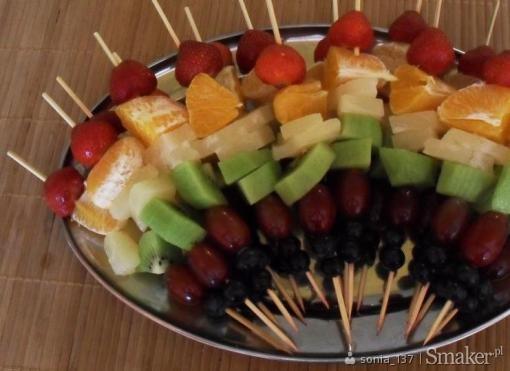 ..owocowe szaszłyki..