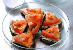 Kanapki z masłem anchois  prosty przepis i składniki