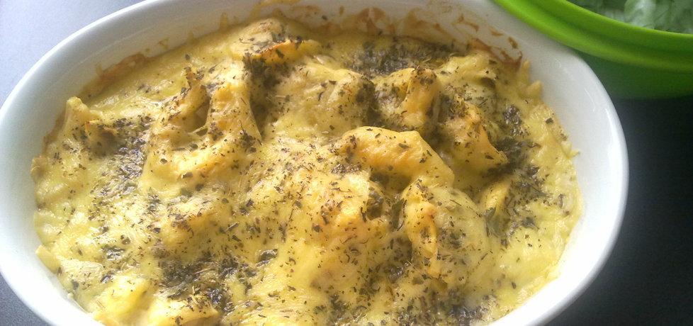 Tortellini ze szpinakiem zapiekane w sosie śmietanowo