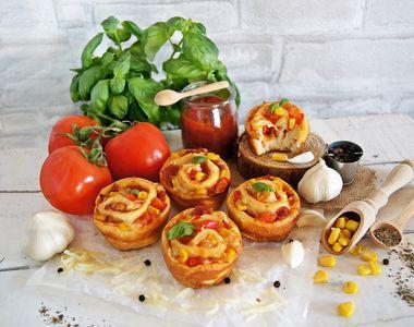 Muffinki z salami, papryką, kukurydzą i serem