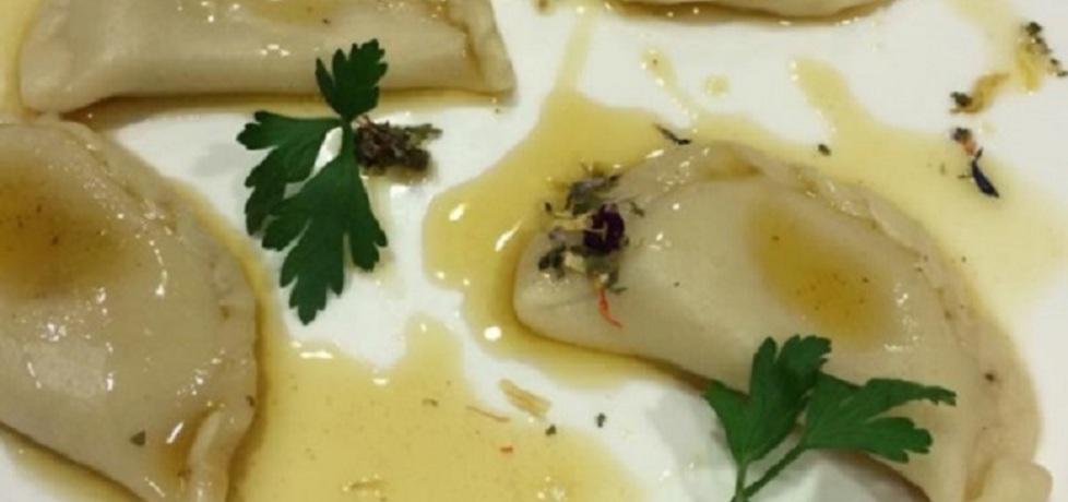 Pierogi z serem korycińskim i palonym masłem marcina budynka ...