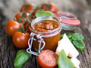 Pesto pomidorowe  prosty przepis i składniki