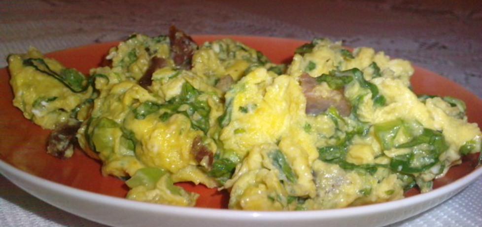 Jajecznica z zielona sałatą (autor: agnieszkab)