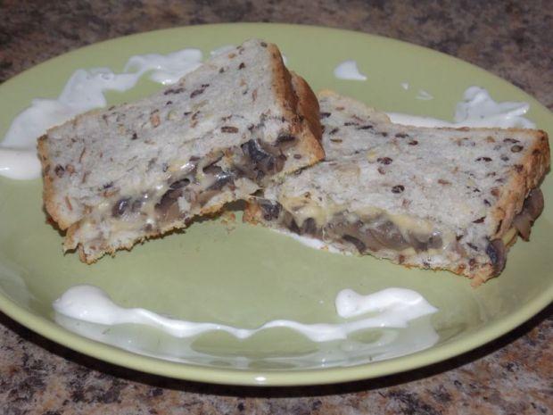 Przepis  pełnoziarniste tosty z pieczarkami przepis