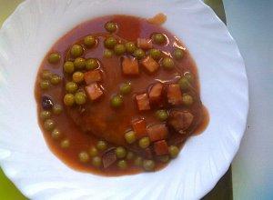 Placki ziemniaczane z sosem pomidorowym