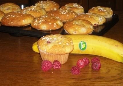 Babeczki malinowo  bananowe