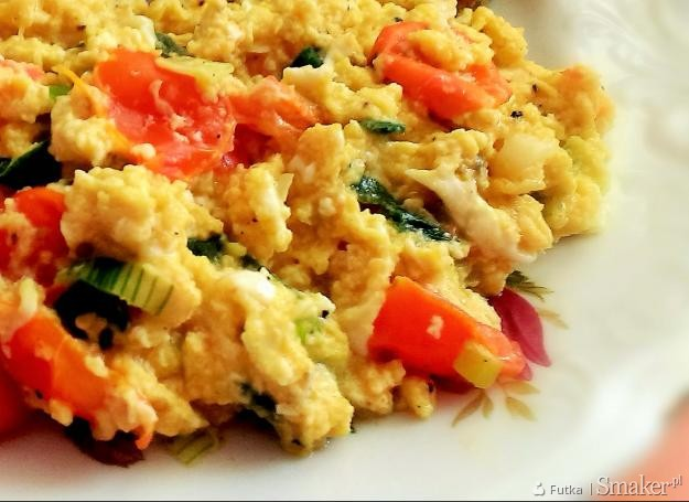 Jajecznica z warzywami