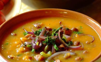 Zupa dyniowa z czerwoną fasolką