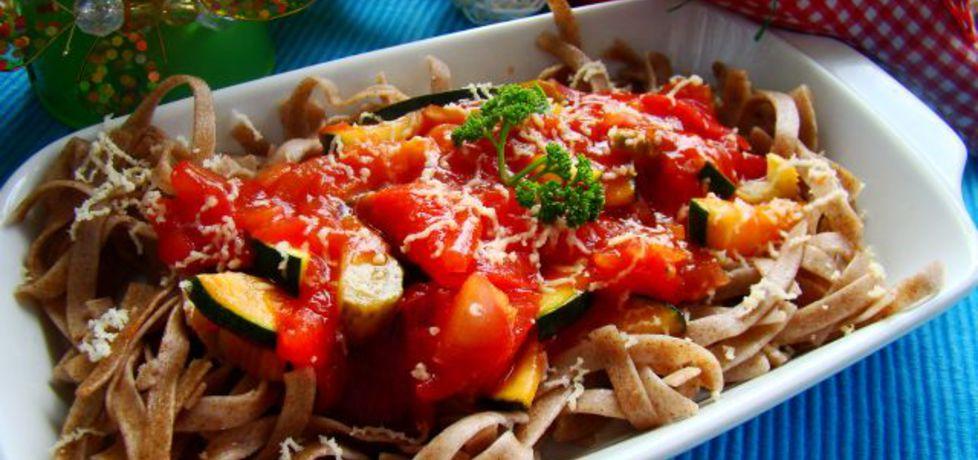 Dietetyczny makaron razowy z warzywami (autor: iwa643 ...