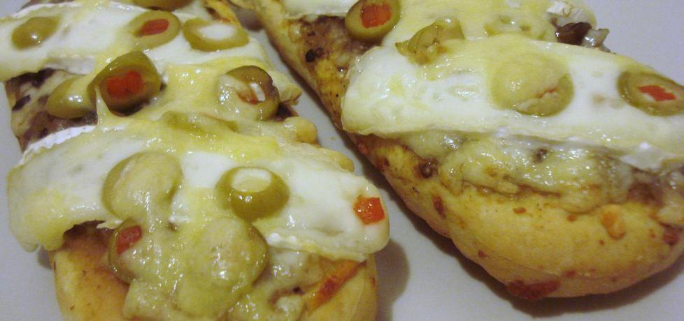 Zapiekanki z serem pleśniowym i oliwkami (autor: ania67 ...