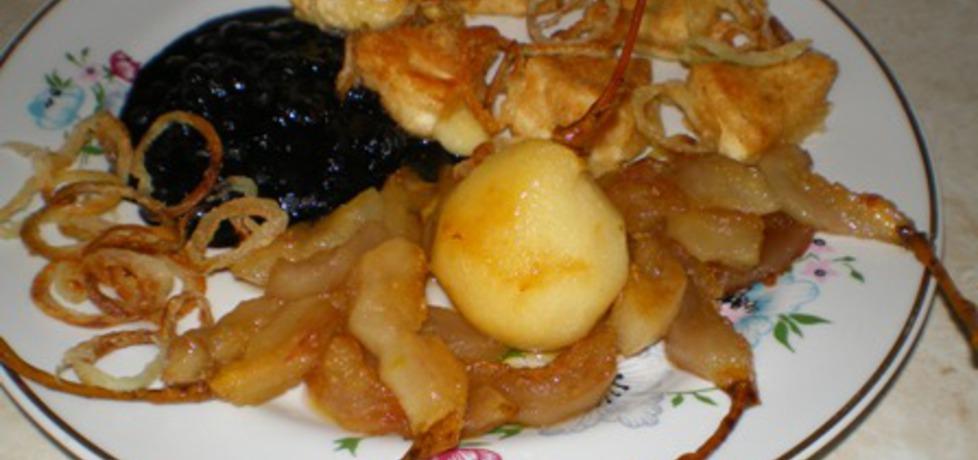 Camembert z prażoną cebulką, karmelizowanymi gruszkami i ...