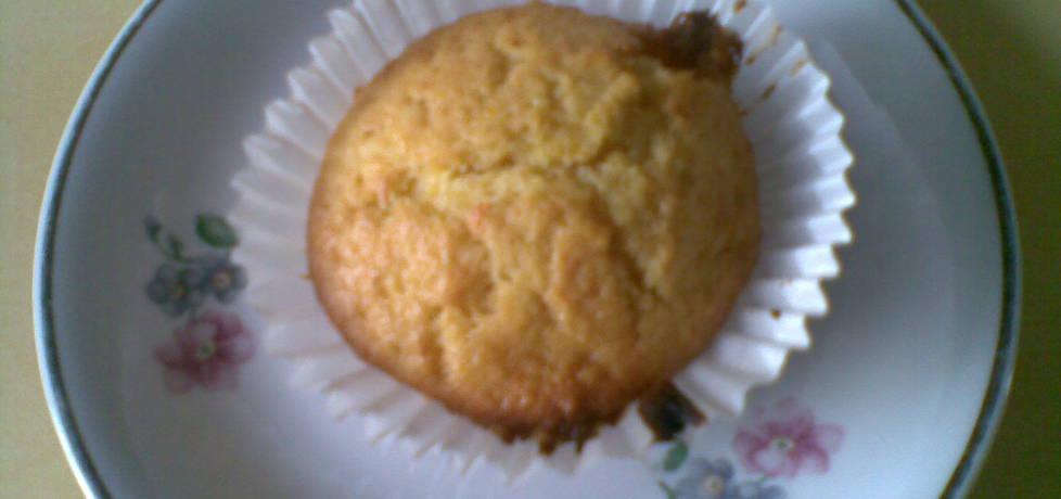 Muffinki z budyniem i wiórkami kokosowym (autor ...