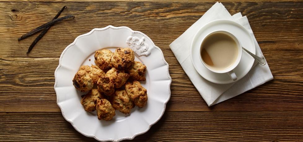 Ciasteczka i muffiny: ciastka korzenne kruche z białą czekoladą i ...