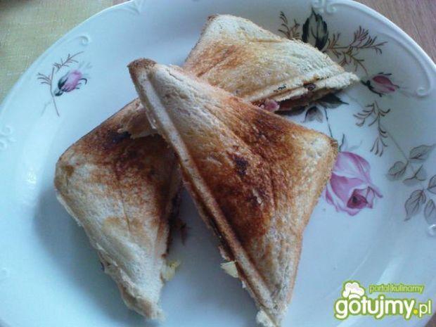 Przepis  tosty z szynką i ananasem przepis