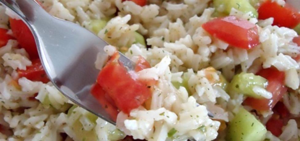 Sałatka z ryżu, pomidorów i ogórków (autor: ilka86 ...