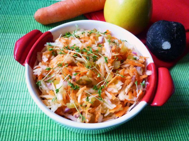 Przepis  expresowa surówka z marchewki i rzepy przepis