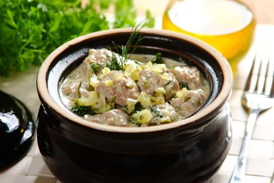 Mięsne kulki z indyka w koperkowym sosie
