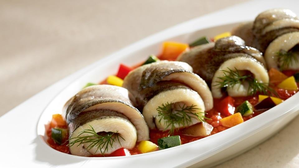 Przepis na pstrąga z duszonymi warzywami