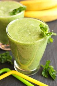 Zielony koktajl owocowo