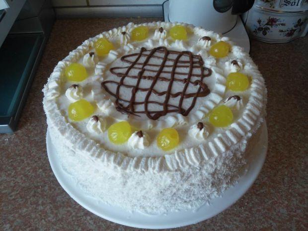 Przepis  tort śmietankowo brzoskwiniowy przepis