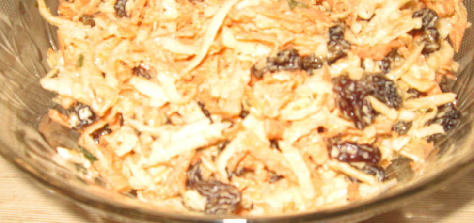 Surówka z marchwi, pietruszki i rodzynek (autor: marlenakinia ...