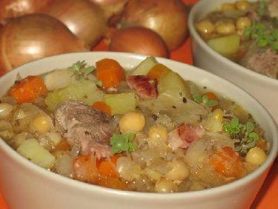 Zupa grochowa z kapustą